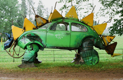 awesome. kiku:  VW Käfer Stegosaurus « Dressed Like Machines