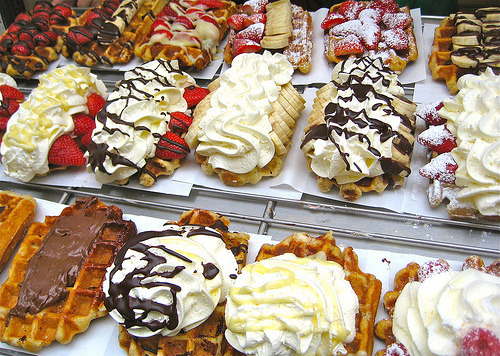 thecakebar:  Authentic Belgian Waffles Recipe! (recipe)