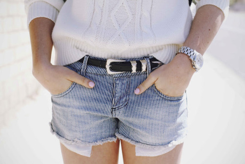 what-do-i-wear:  Sweater: F21, Shorts: F21, Watch: Michael Kors, Belt: Lindex  (image: caseyscollection)
