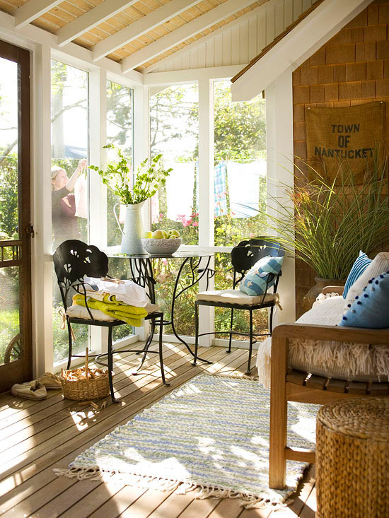 tick-le:  georgianadesign:  Screened porch via Tuvalu Home.  (via imgTumble)