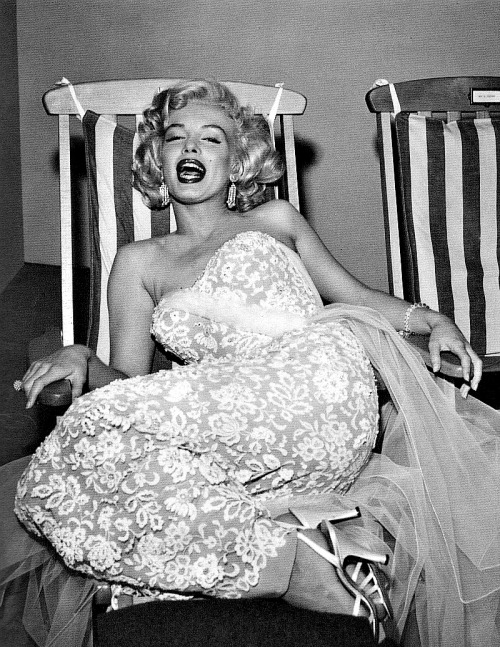 Marilyn Monroe oozing joyous sex appeal.  Photographed by Frank Worth, 1953.