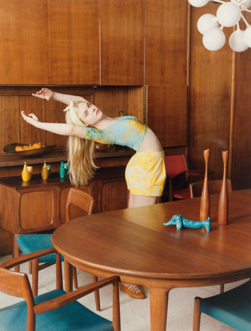 suicideblonde:  Elle Fanning photographed by Venetia Scott for Self Service, Spring/Summer 2012