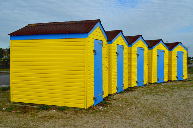Yellow Huts by Squirmelia on Flickr.A través de Flickr: Littlehampton, West Sussex.