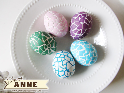 DIY Mosaic Eggs. Really simple. Tutorial from Sweet Anne here.
