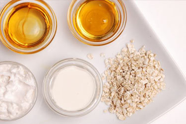 naturalorganicgreenbeauty:  8 DIY Oatmeal, Milk, Banana and Honey Face Mask Recipes for Dry Skin Simple Banana Facial 1 medium banana 1 cup oatmeal, finely ground 1/4 cup whole milk to start, more if needed Combine all ingredients to create a paste. Adjust milk as desired (add a little or a lot depending on paste consistency). Apply to your face and leave on for 10 to 15 minutes. Rinse well with lukewarm water, then splash with cool water. Banana Facial Mask for Dry Skin (Source:Natural Health) ½ ripe and peeled banana (eat the other half) 1 teaspoon honey 1 teaspoon water 2 tablespoons finely powdered oats ½ teaspoon sweet almond oil (or other vegetable oil) 1 drop rose oil (optional) Blend banana in food processor until smooth and mix in remaining ingredients. Apply to clean skin and leave on for 15 minutes. Rinse with warm water to remove mask. Pat skin dry and apply a moisturizer. Refrigerate leftovers in an airtight plastic container for up to one day. Banana Oatmeal Face Mask (Source: I Love Natural Skincare) 1/2 cup oatmeal, cooked 1 tsp honey 1 egg yolk 1/2 banana, mashed Combine ingredients. Apply mixture to your face. Leave on for 15 minutes. Rinse off with cool water.