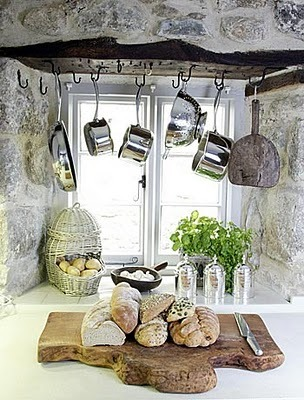 (via Décor de Provence: Small Spaces With Big Ideas!)