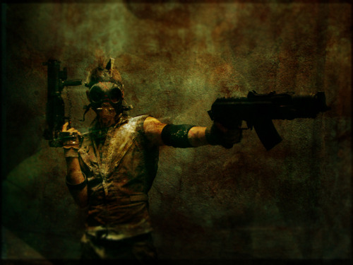 falloutgallery:  Gas Mask Raider with smgs