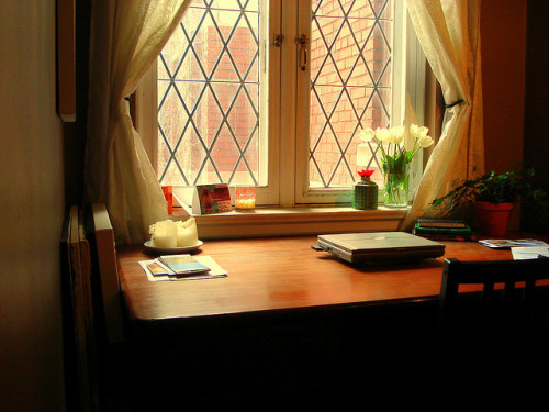 (via writing nook | Flickr - Photo Sharing!)