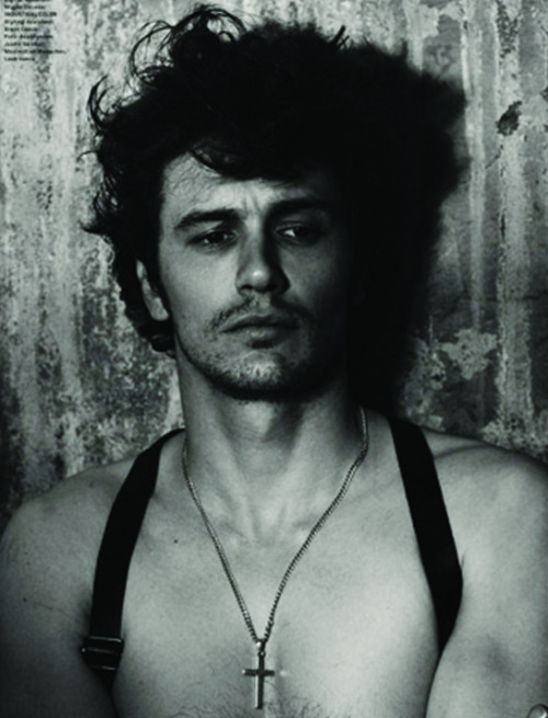 Jamal styled James Franco for the GQ Germany shoot with Hamadi Shea Hair Cream. How hot is this photo? Check out more of the shoot with the link below.