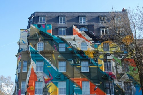 secondsminuteshours:  London gets a huge mural by Agents of Change.  View more.