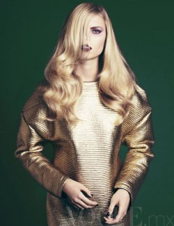 The key ingredient in a perfect coif? Super shiny strands, no doubt!(Image via Vogue Mexico Nov 2011)