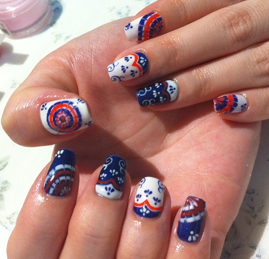 freestylenails:  nailpop:  retro tiles  stunning!