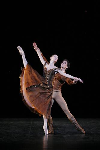 "Agnes Letestu and Stephane Bullion in Jerome Robbins' ""In the Night"" - Paris Opera Ballet"