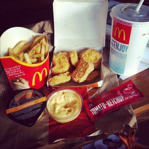 Heaven!🍟🍔 #junk#food#delicious#chicken#nuggets#mcdonalds#friday#gothenburg#sweden#instamood (Taken with instagram)