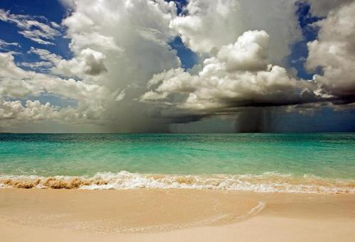 In three days…. Turks & Caicos.  universestinyspecks:  Turks & Caicos by Peo Pea