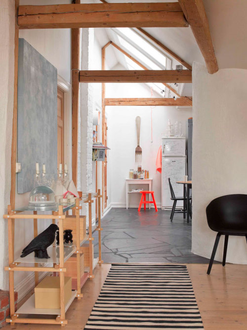 dreamyhome:  plasticinecastles:  Silje Aune Eriksen's Home in Norway.   love the beams