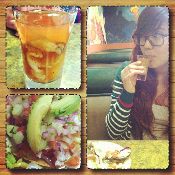 Had some #ceviche while Vanessa chewed down on some #oysters and an #oyster #shooter at #Marisco's del Mar. :D #food #yummy #seafood #collage #friend #lunch #instagram (Taken with instagram)