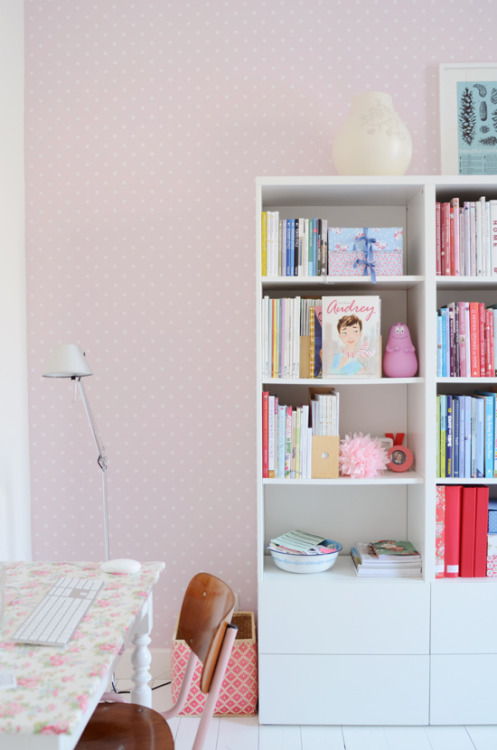 girly room (via Lolalina)