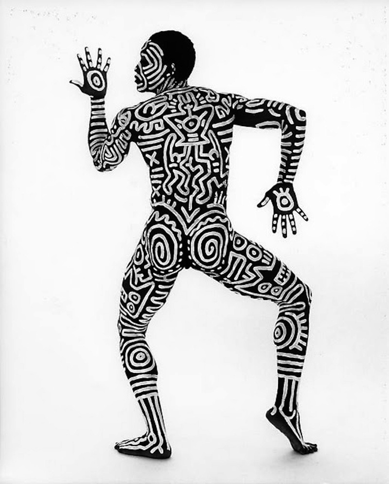 "varietyinblack:  ""Bill T. Jones, body painted by Keith Haring"" Photography, 1983 Tseng Kwong Chi  LOVE IT!"