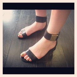 Our intern Jen rocking the Rachel Zoe Gladys flat sandals- and a way fun holographic pedi!