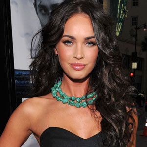 Without a doubt, Megan Fox is a beautiful woman and while we are unsure of whether she has straight or wavy hair, we do believe she looks better with her wavy locks, she looks more the sensual!