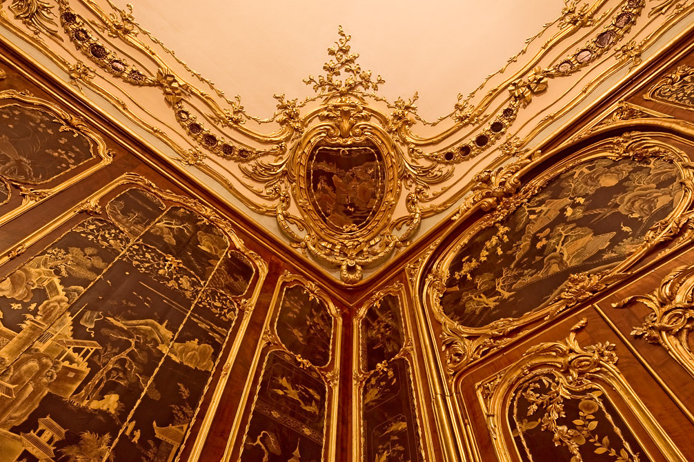 "The ""Vieux-Laque"" (ancient lacquer) Room in Schönbrunn Palace (detail of the gilded paneling and chinoiserie lacquer) –  © Alexander Eugen Koller"