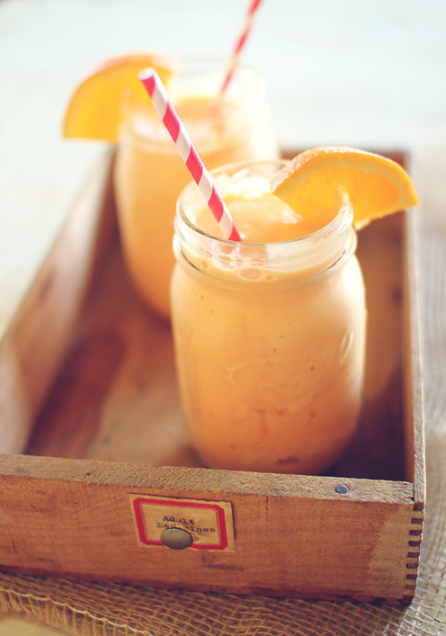 gastrogirl:  protein-packed orange cream cooler.