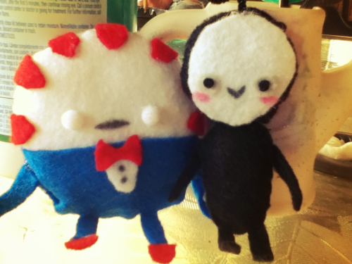 Peppermint Butler n Kidd   (Kidd is my Fiancé's OC Boogie Man's little Henchman. He's a shadow)