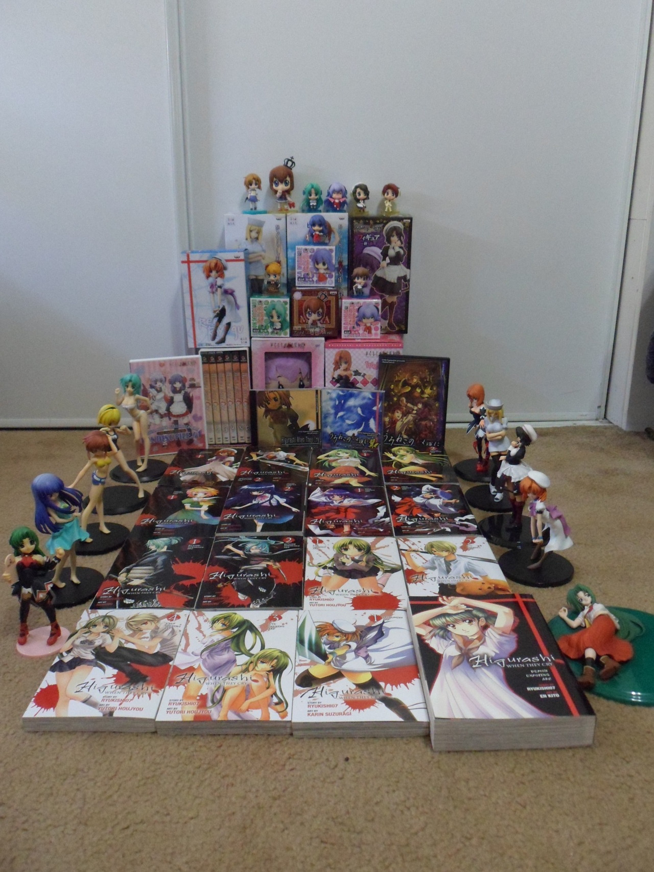 fuckyeahhigurashi:  submitted by firstattendance  So much Higurashi Swag.