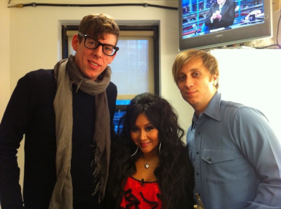 nichichanilimonada:  welcometomagicalmysterytour:  Why are the black keys with Snooki  hell naw