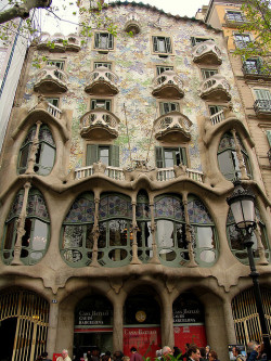 aconglomerateofthought:  Barcelona - Spain by Sandro Mancuso on Flickr.