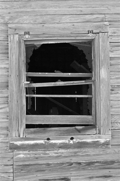 flatlander40photography:  West Texas Window flatlander40 photography