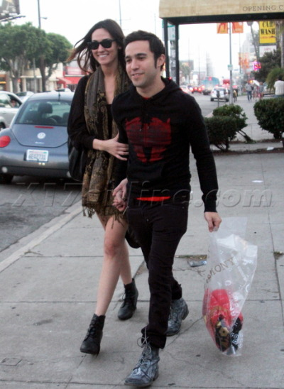 Pete Wentz and girlfriend