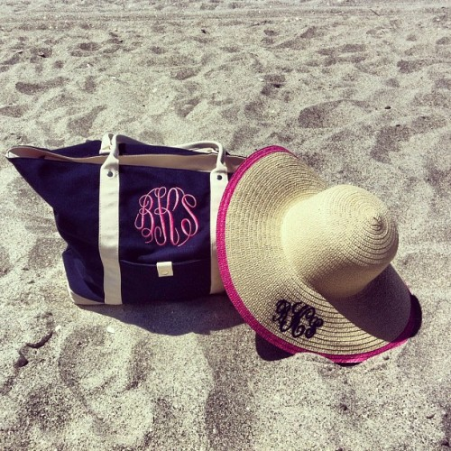 poloprincess:  preppiness is… monogrammed beach hats & bags!