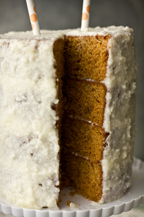 gastrogirl:  thai tea cake with creamed coconut frosting.