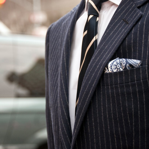thetieguy:  love this pocket square here.