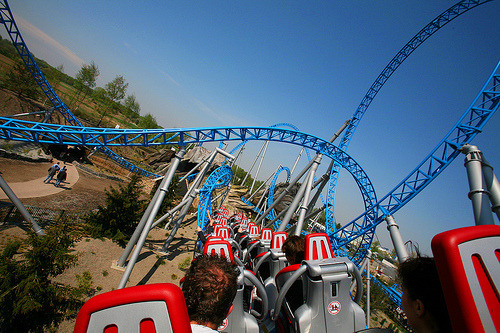 quotegirl292:  maddierulz:  smilygirl762:  Omg I love rollercoasters!!! : )  me too! :)  who doesn't???  not many people if any…