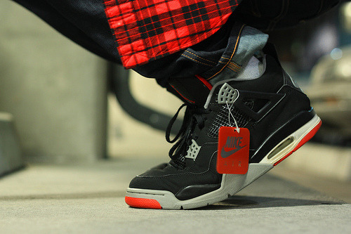 bitchigetfaded:  black & red 4's