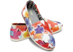 Watercolor Flower TOMS - $54.00