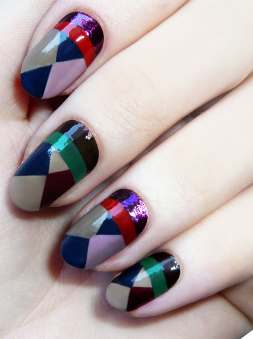 (via madelinepoolenails:Finally, I have a good camera. :) | velveteen prints)