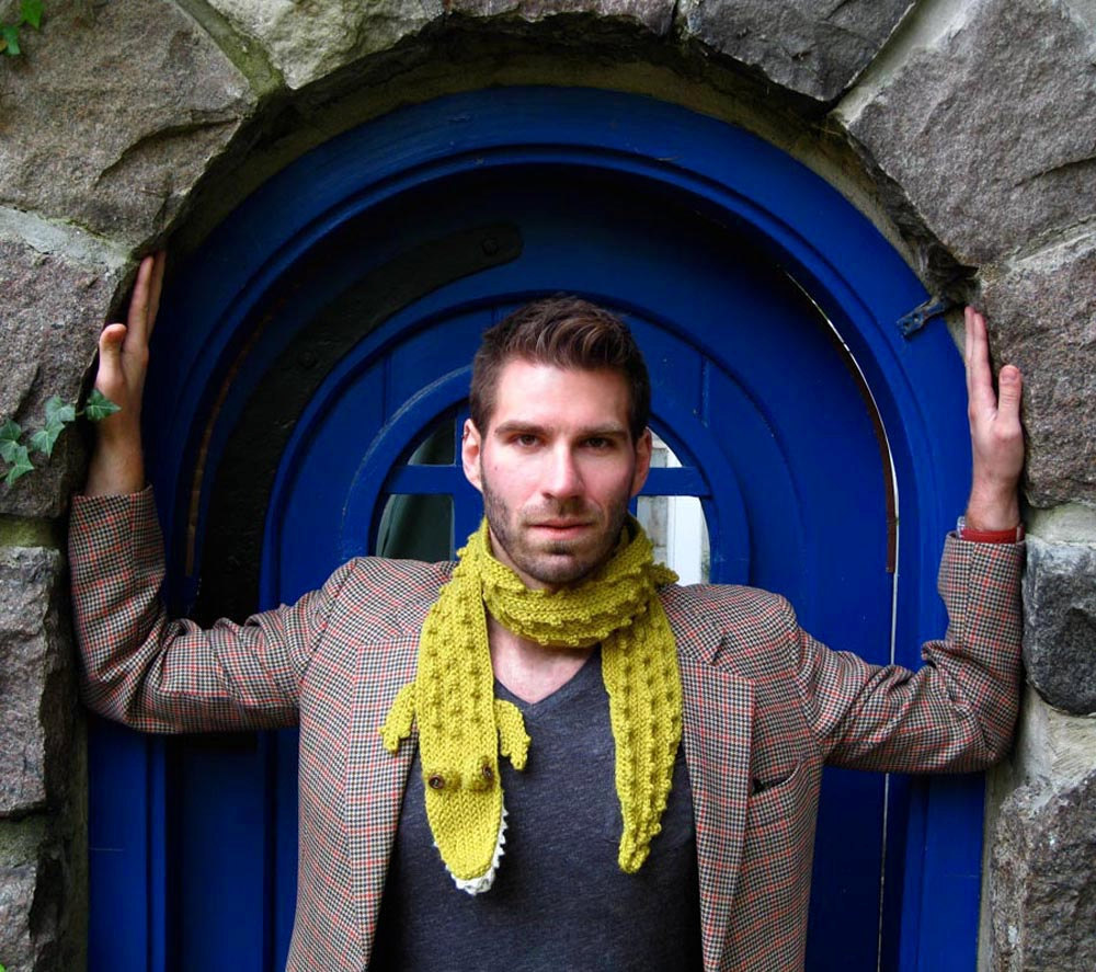 "Gorgeous, and delicious … (the scarf as well) … he he he. ""This friendly alligator scarf is made of a handsome electric golden green colored yarn. The teeth, scales, legs, and tongue are all hand crocheted and button eyes are sewn on.""  * Hand made by Michelle McCoskey * Check out her amazing Etsy store here."