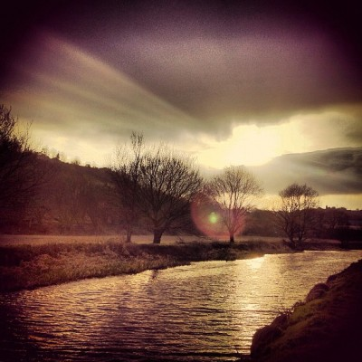 Sunset boulevard #canal #sunset #relection#iPhone #iphone4s #instagram #instagood #instagreat #instafamous #ig #igers #ipopyou #amazing #beautiful #iphonesia #webstagram #instagramers #instagramhub #igdaily #instagold #instamood #photooftheday #ignation #igaddict #instago #primeshots #instagram_masters #instagram_underdogs #ighype #specialbranch  (Taken with Instagram at Calder & Hebble Navigation (Lockwoods Upper))