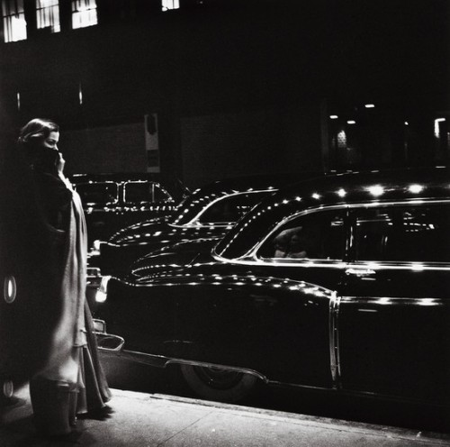 thenewmanhattanite:  Gala Opening, Metropolitan Opera, NY photo by Eve Arnold, 1950