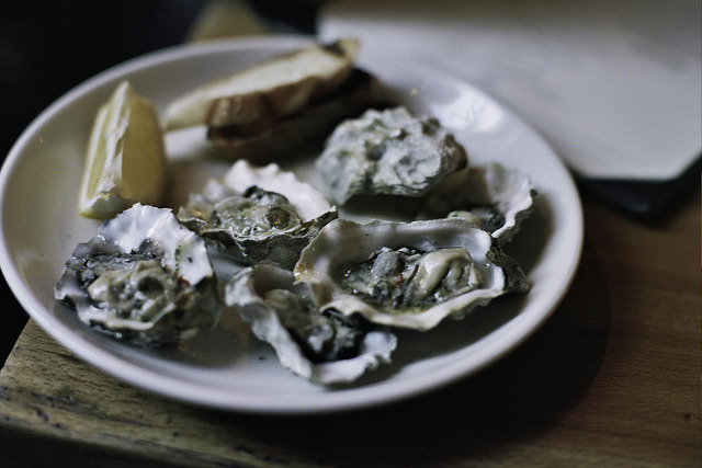 Analog Bars: Grilled Oysters at Rye House