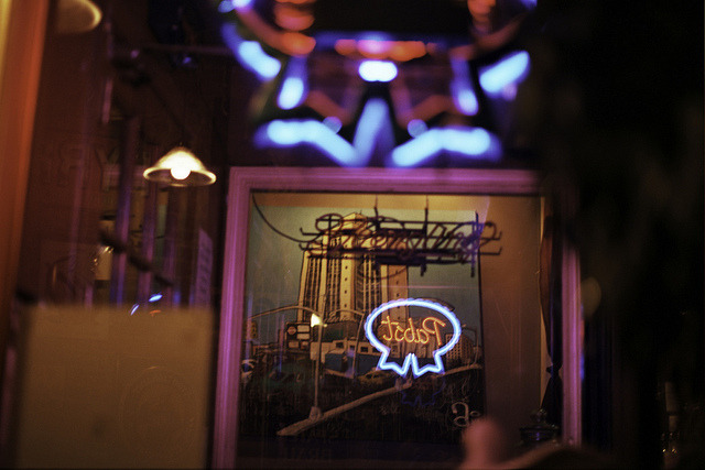 Analog Bars: Neon at The Brazen Head