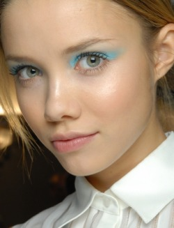Moschino; Icy blue make up is so in for this summer! (ps I live in Thailand ;D)