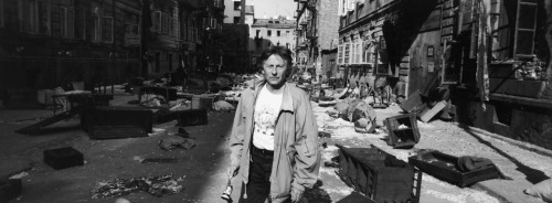 strangewood:  Roman Polanski on the set of The Pianist.