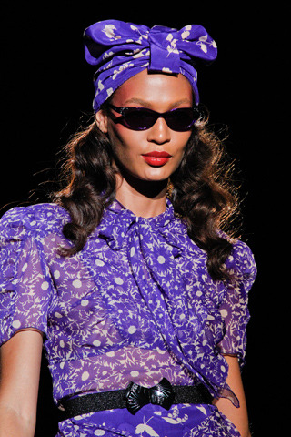 walking for anna sui