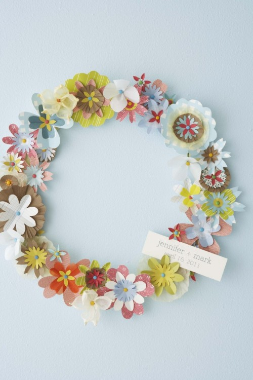 classymissmolassy:  Paper Flower Wreath Tutorial.  Reblogging for later