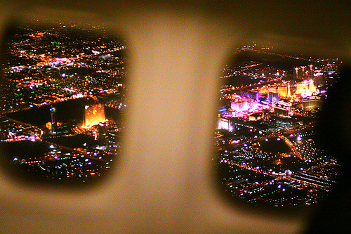 lesavions:  Leaving Las Vegas (by Roger Kisby)